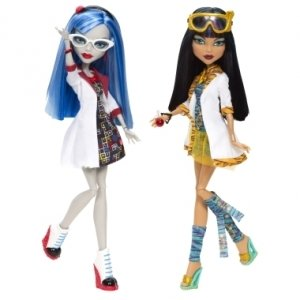 Сет из 2 кукол MONSTER HIGH В классе - Клео де Нил и Гулия Йелпс